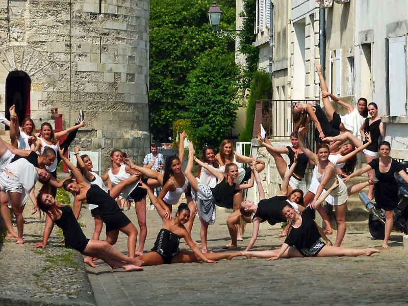 YPH-2014-06-16-danseuses-w